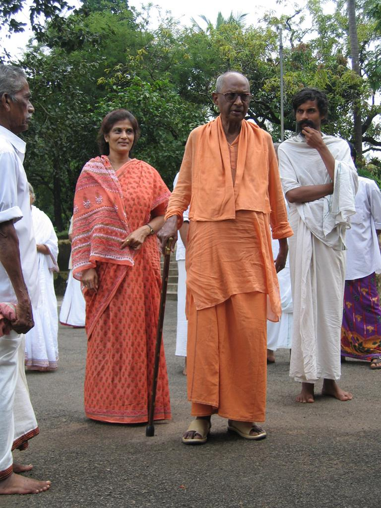PHOTOS OF PUJYA SWAMI SATCHIDANANDAJI