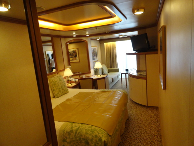 Regal Princess Owners Suite Tour in 1080p - YouTube