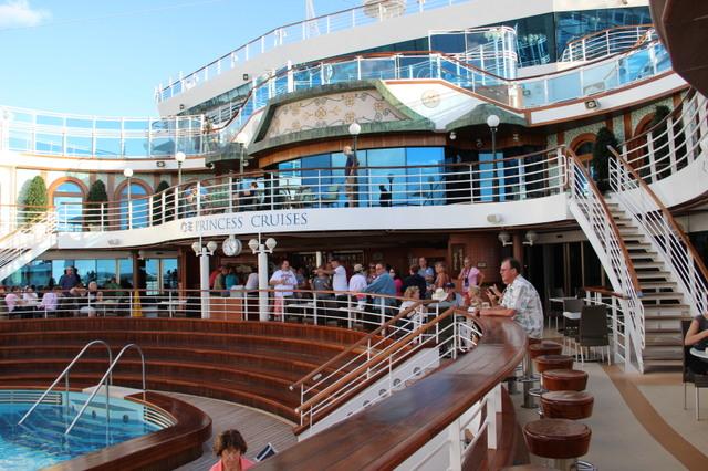 3. Grand Princess |Pool Terrace Grand Princess