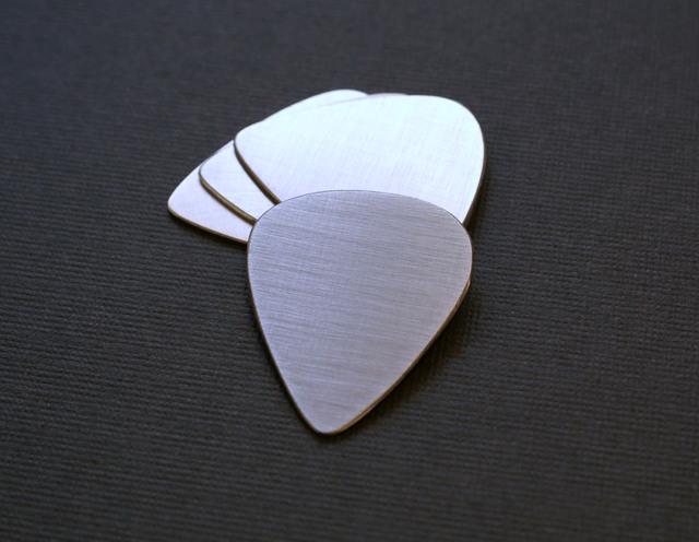 regular style stainless steel metal guitar pick 4 pack ebay. Black Bedroom Furniture Sets. Home Design Ideas