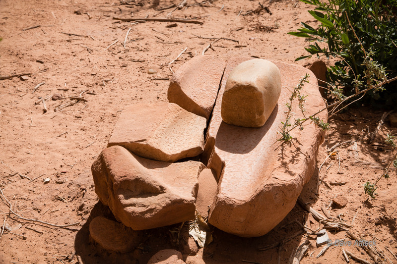 Broken mano and metate