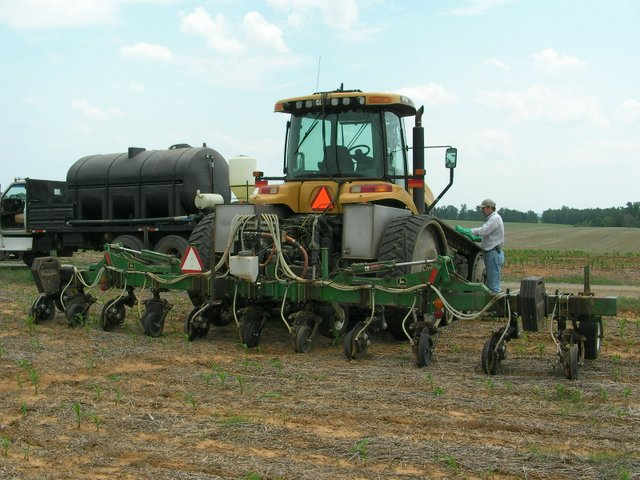 John Deere Side By Side >> Viewing a thread - Liquid 28% sidedress applicators