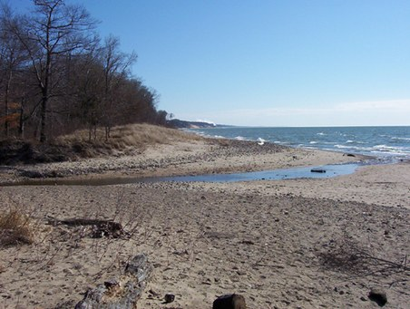 Deerlick creek/beach Lake Michigan