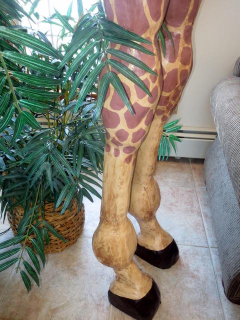 12' Giraffe Sculpture