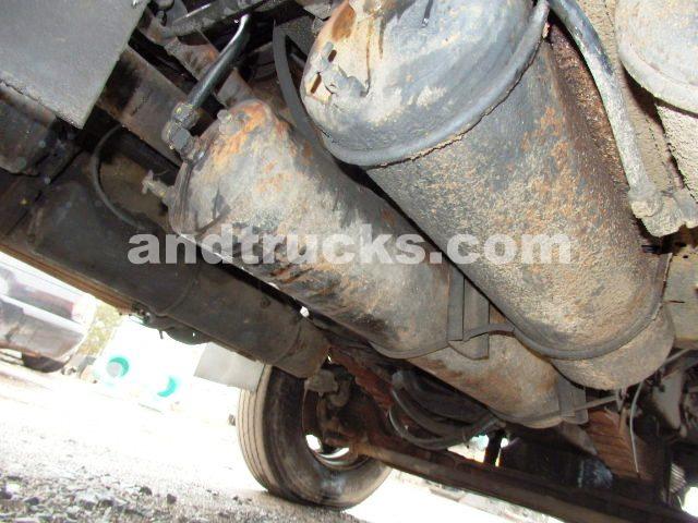 1986 Autocar Roll off