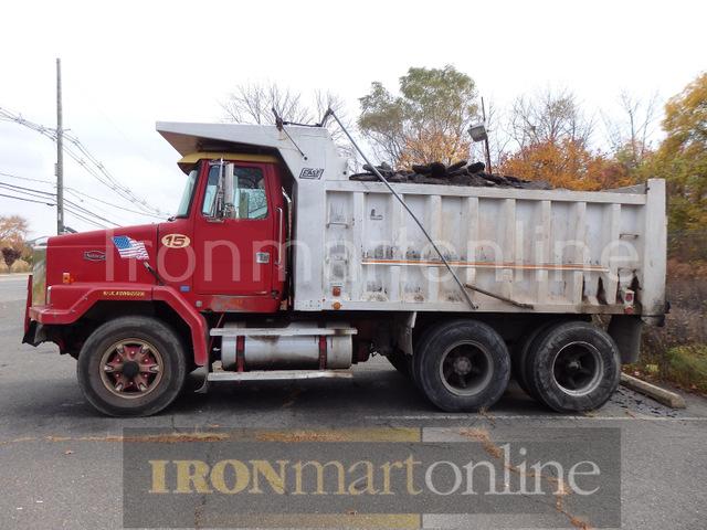 1988 Autocar Tandem Axle Dump Truck
