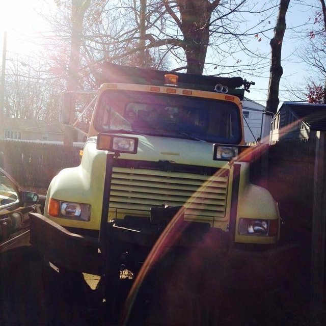 1990 International 4700 single axle dump truck