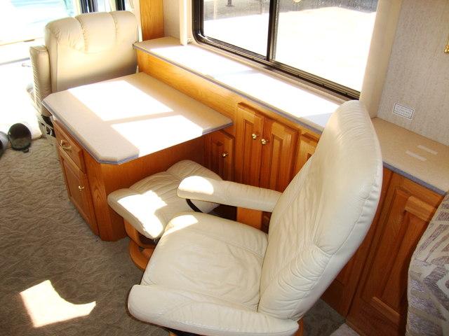 2002 Holiday Rambler Navigator Motor Home