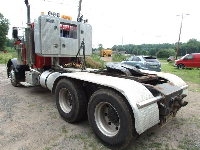 2003 Peterbilt 379 Tandem Axle Tractor