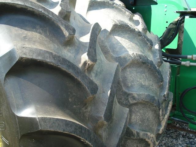 2005 Deere 9520 Tractor