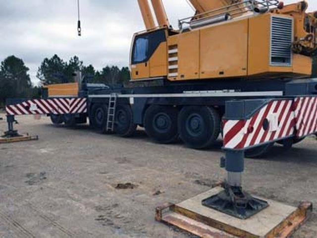Liebherr LTM 1400-7.1 500-Ton All Terrain Crane for sale
