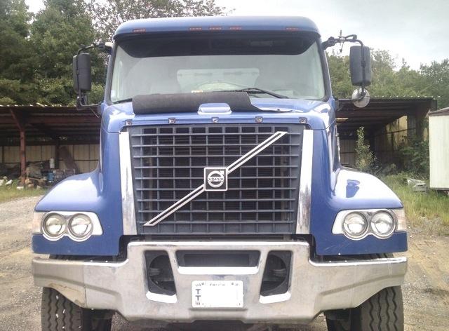 2006 Volvo VHD 84F200 Tri Axle dump truck