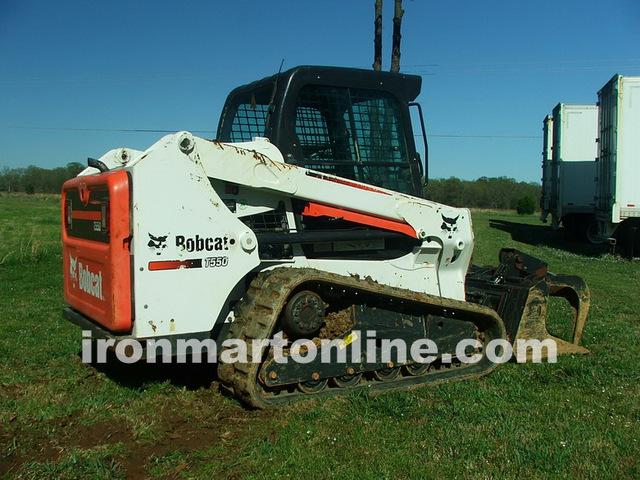 2013 Bobcat T550 Track Loader Skid Steer w Hydraulic Grapple loaded