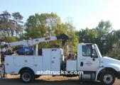 4300 SBA International service Truck