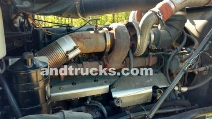Mack CL 713 Heavy Duty Spec Septic Pump Truck used