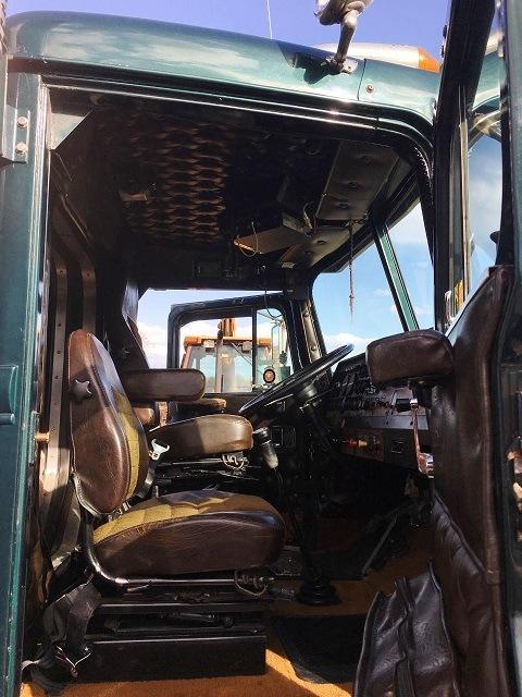 1986 Autocar AT-64F Tractor
