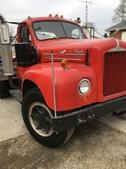 B61 B-Model Mack Tandem Axle Tractor