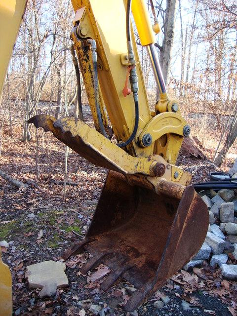 110 TLB John Deere backhoe maintance