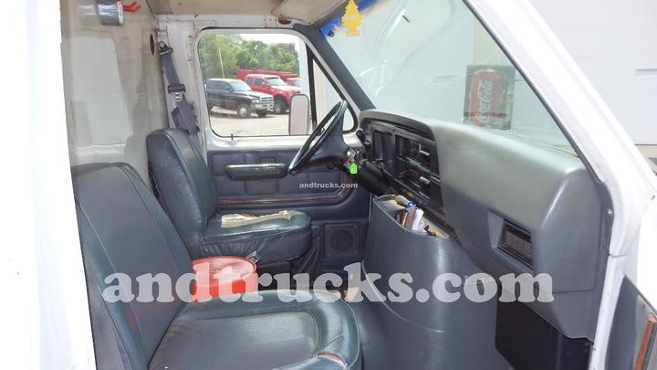 Ford E350 box truck