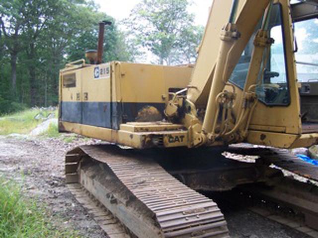 Cat 215 Excavator