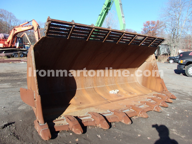 Caterpillar 992 Spade Nose Rock Bucket