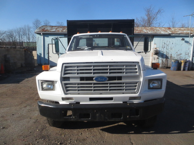 1995 Ford F700 Parts