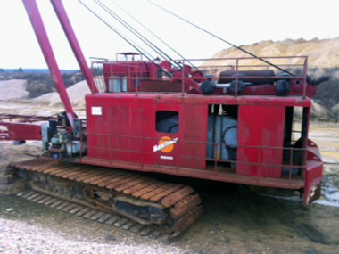 4600 Manitowoc dragline from old-new - YouTube