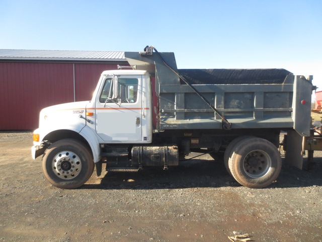 International 4900 Single Axle Dump Truck