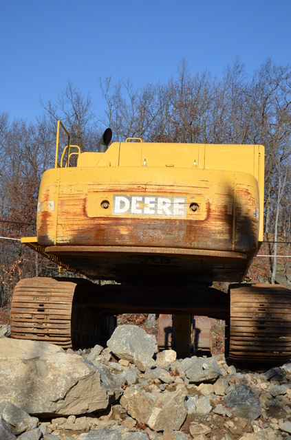 Excavator John Deere 600C LC