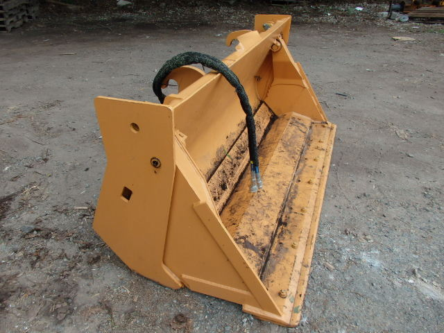 4 in 1  82'' John Deere Bucket 310 Quick Coupler AT308043