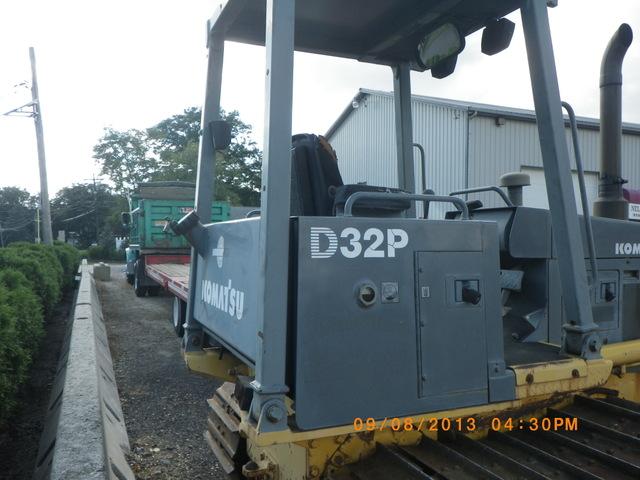 Komatsu D32P Dozer