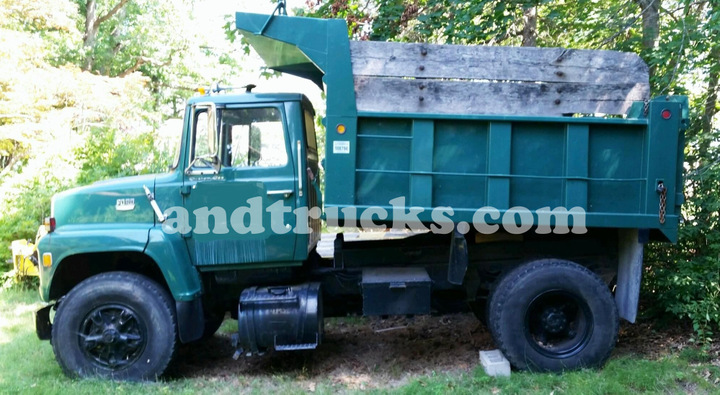 Ford L8000 Single Axle Dump Truck one owner