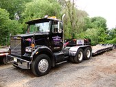 Low Boy 35 Ton w Tractor