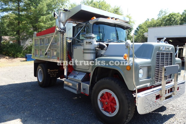 1985 Mack Single Axle R-Model Dump Truck 250hp with Jake