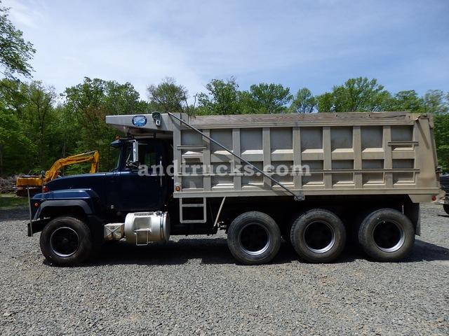 2000 R Model Mack Tri Axle Dump Truck Used For Sale