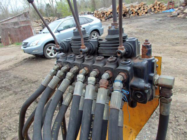 1999 Majco M140 Log Loader