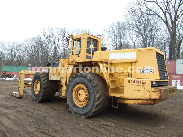 Michigan L320 loader