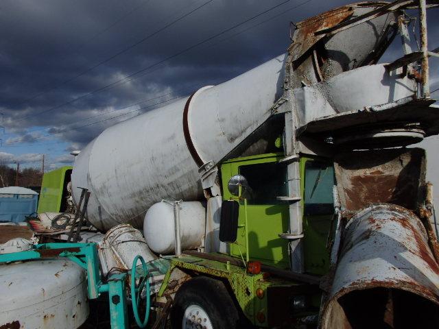 oshkosh 11 cu yd front discharge cement mixer
