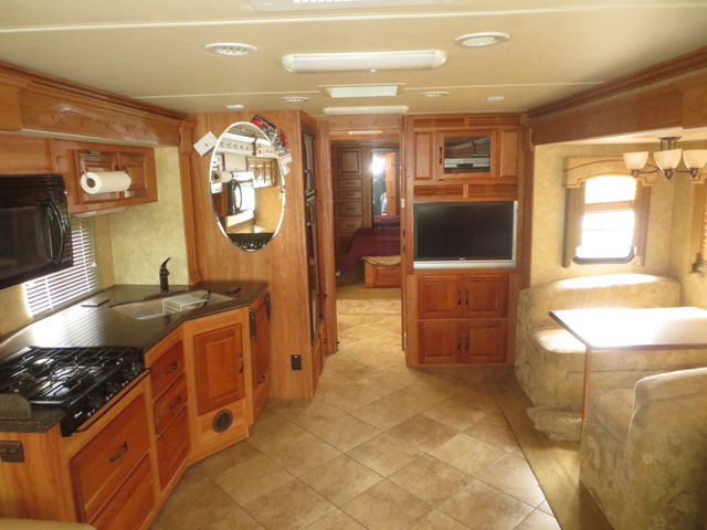 Coachmen/Sportsman Pathfinder 386QS RV with 4 Slide Outs