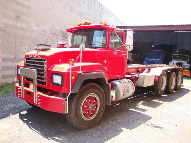 1994 Roll Off R Model Mack 22ft 8LL 350hp 58 Rears