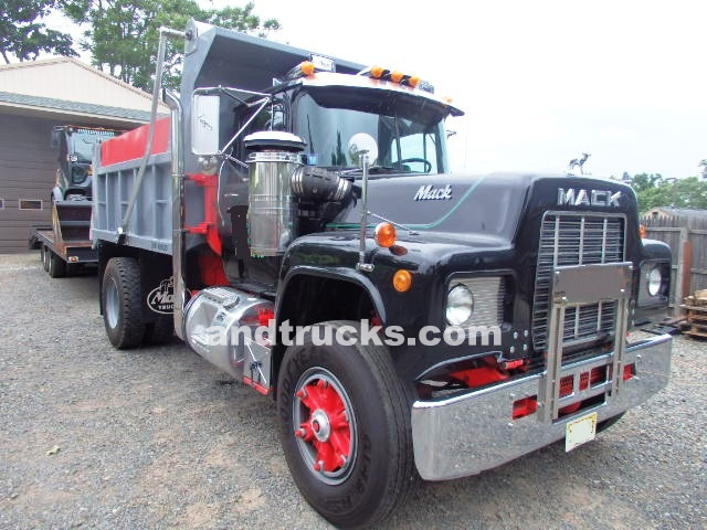 Mack Trucks For Sale >> Single Axle Mack Dump Truck Used For Sale