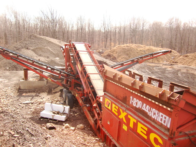 Soil screener for sale extec 5000s mulch screener top for Soil for sale