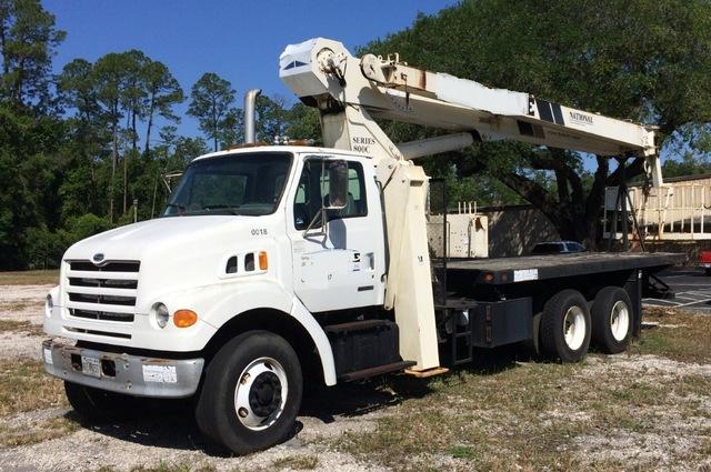 1999 Sterling 7501 crane truck