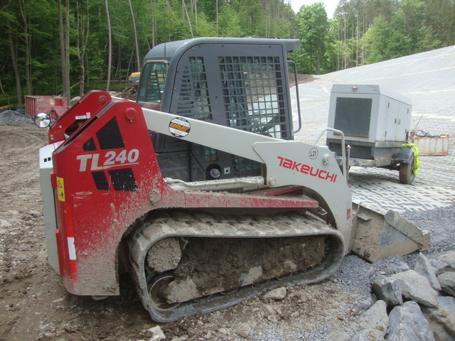 Takeuchi Tl240 Track Skid Loader W   Less Than 1 000 Hours