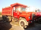 Tandem Axle mack Dump Truck