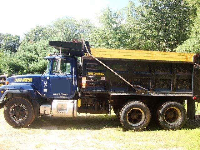 R Model Tandem Mack Dump Truck For Sale