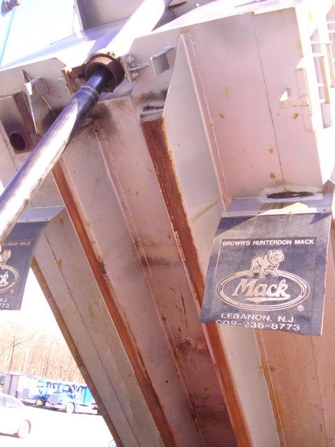 2003 Mack Tandem  Dump Truck  CV713