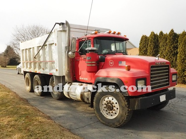 1998 350 hp R-Model Mack Tri Axle Dump Truck