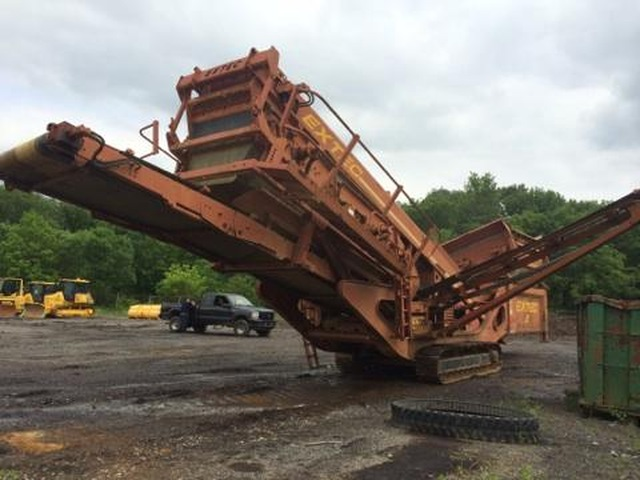 2004 Extec S5 Screener With Vibrating Grid