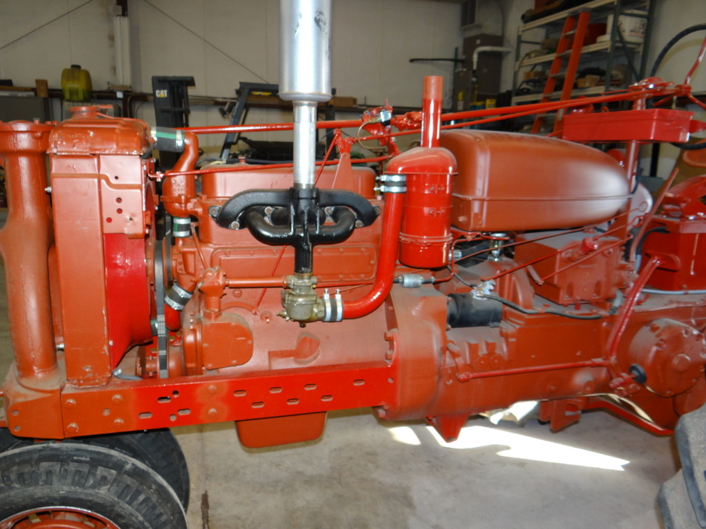 viewing a th need some pictures of your farmall m here s a sm we finished up last summer do these photos of the air cleaner help i think the sm m had the same oil bath